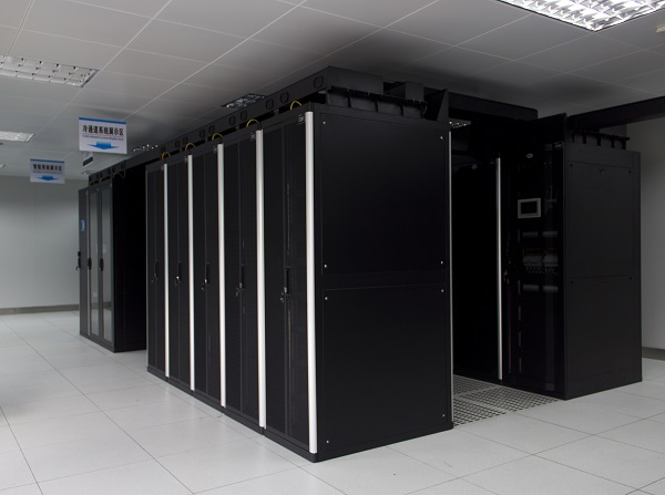 走访鼎龙机房 —— 中国计算机用户协会UPS分会